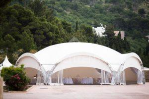 Аренда арочного шатра для корпоративного праздника